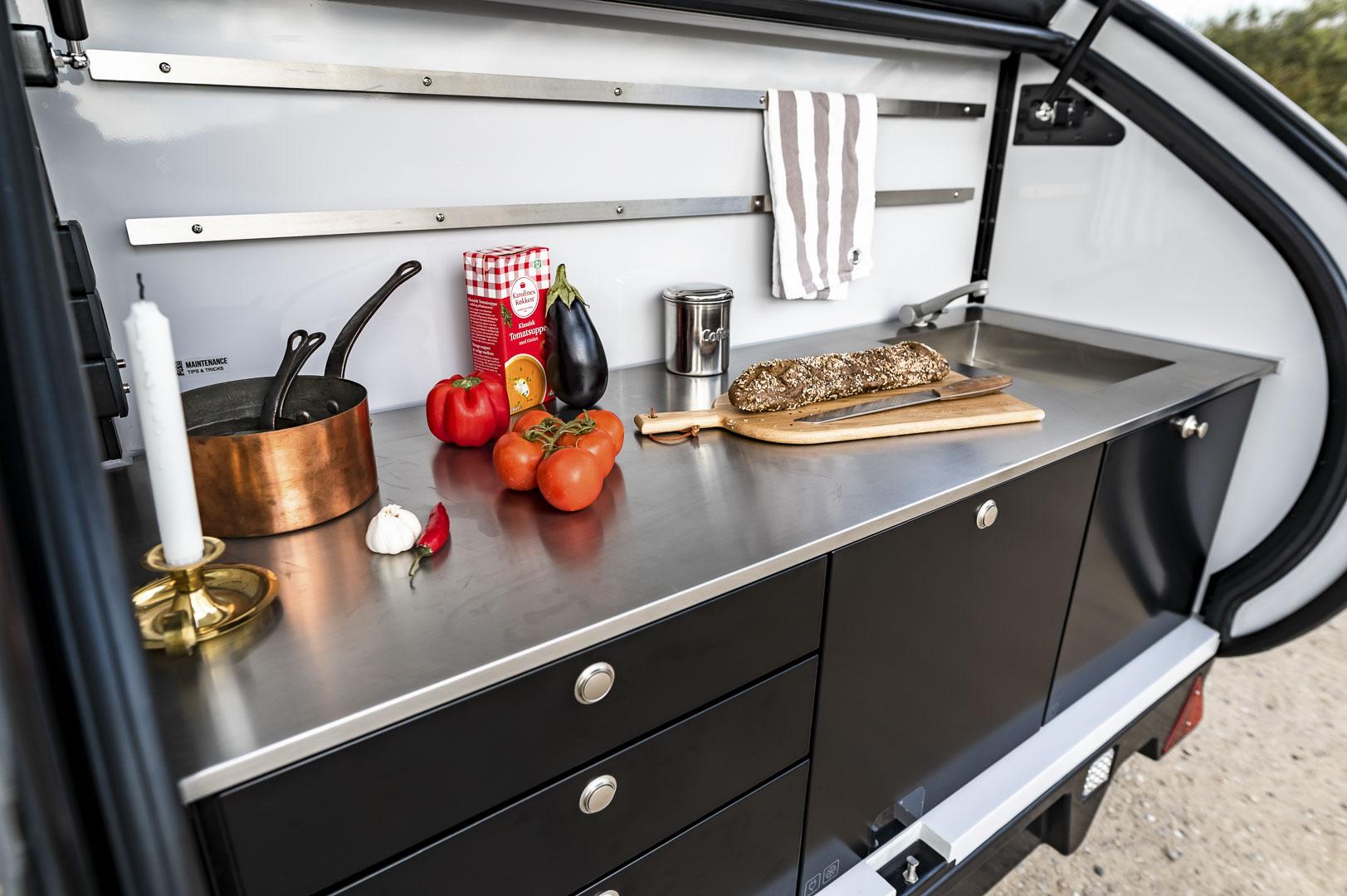 Hero Camper Ranger - Kitchen Facilities